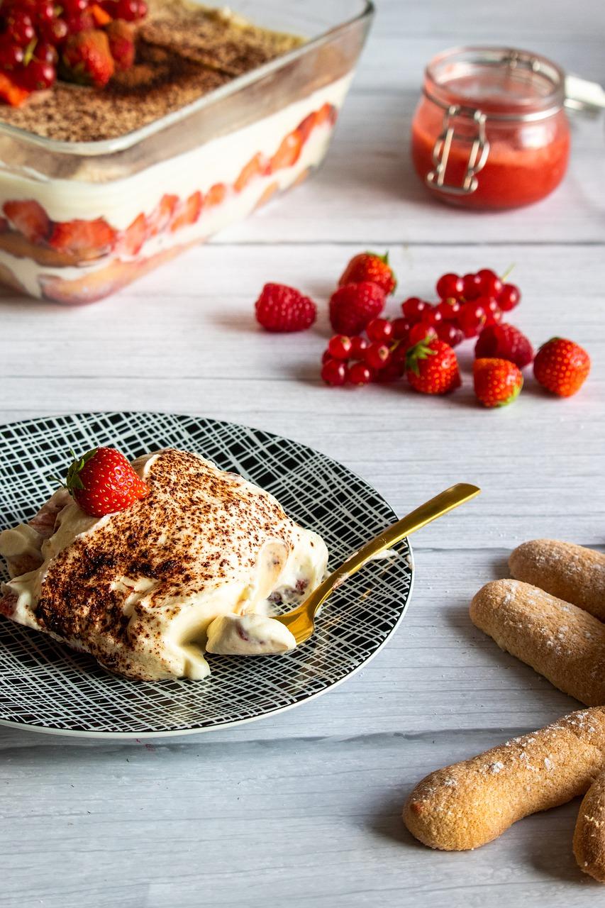 tiramisu, strawberries, dessert